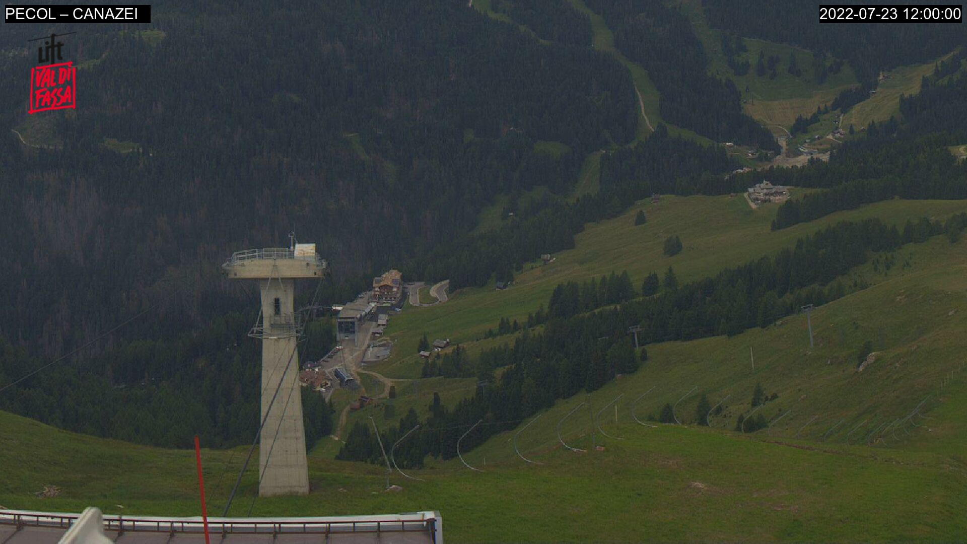 Webcam Canazei - Belvedere - Altitude: 2,413 metresArea: Col dei RossiPanoramic viewpoint: static webcam. View down on