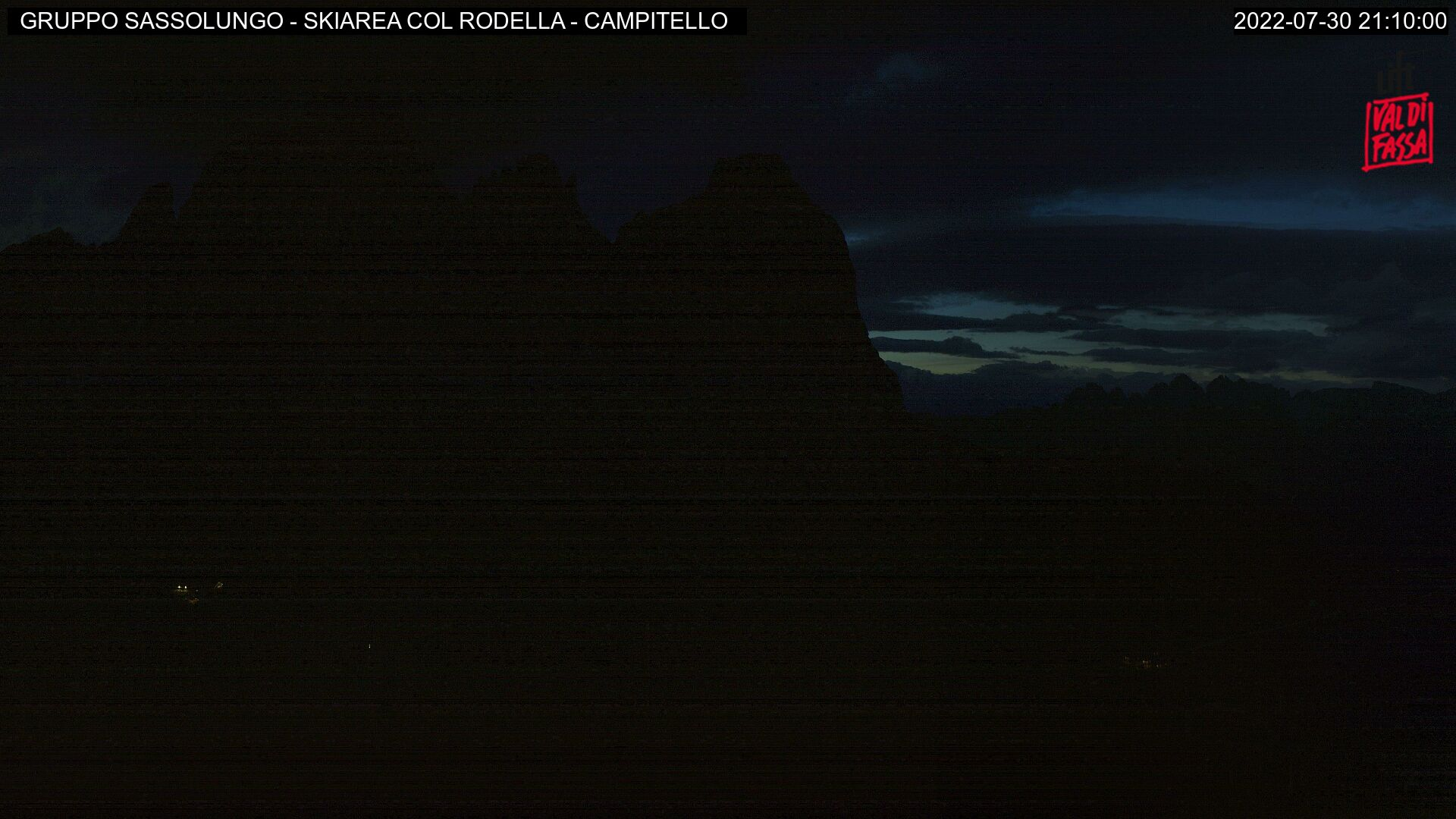 Interactive webcam Campitello - Col Rodella - Altitude: 2,440 metresArea: Col RodellaPanoramic viewpoint: interactive webcam. Panoramic view over the ski area Col Rodella, connected to Passo Sella, Val Gardena (Ski Tour Sellaronda) and Canazei-Belvedere.